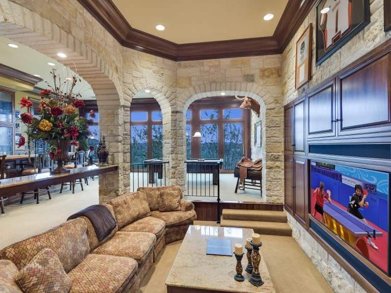 charlie-strong-austin-mansion