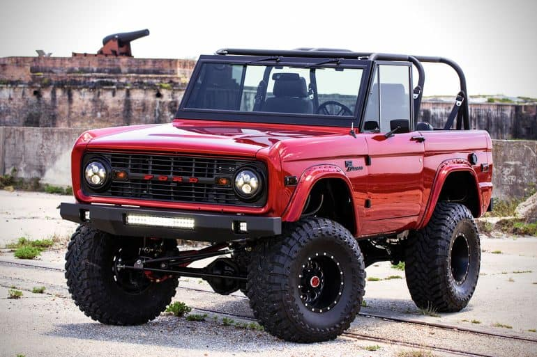 Ford Bronco Restoration >> This Complete Restoration Of 1976 Ford Bronco Is A Thing Of