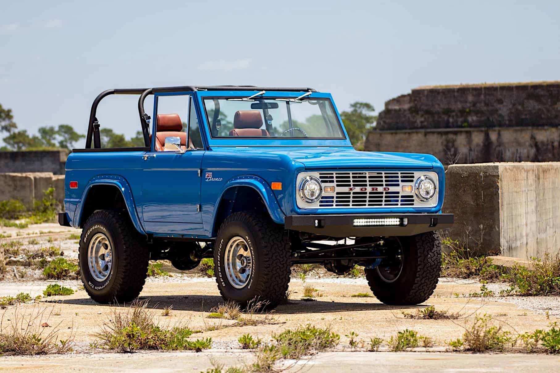this 1976 ford bronco restoration has me wanting to rob a bank. Black Bedroom Furniture Sets. Home Design Ideas