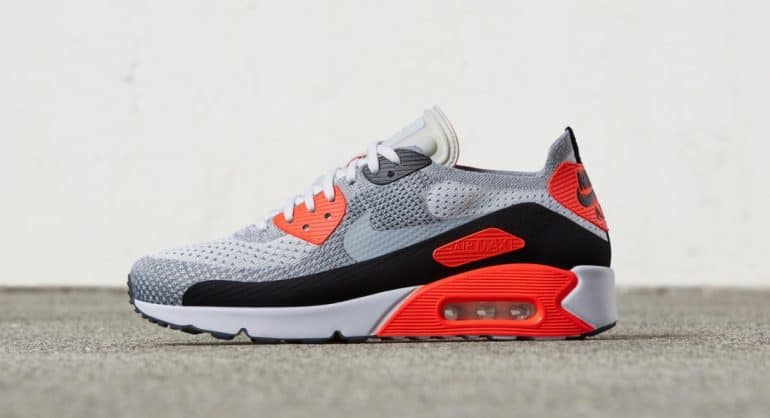 the latest 39ca9 75ef8 Old School Meets New School With The Nike Air Max 90 Ultra ...