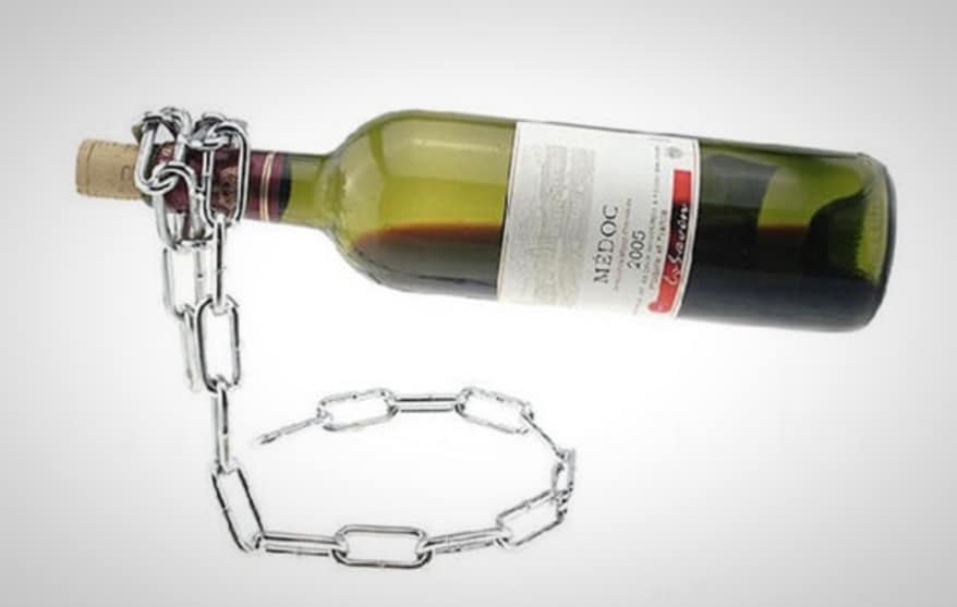 chain link wine bottle stand