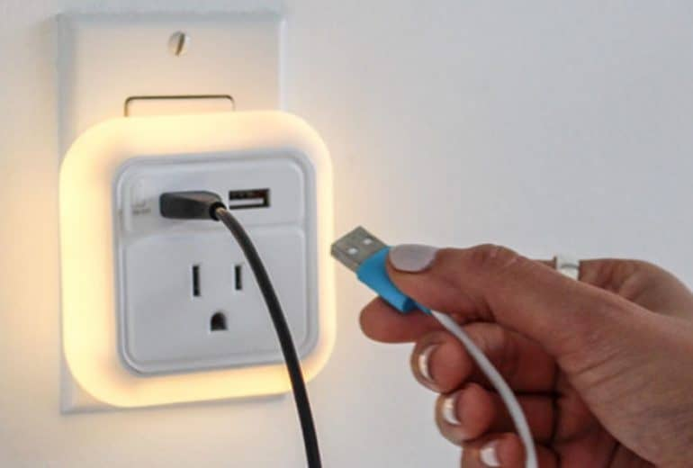 Travel USB Wall Charger with LED Nightlight