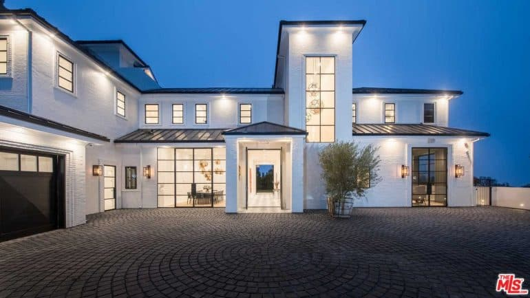 LeBron James Just Dropped 23 Million On This LA Mansion