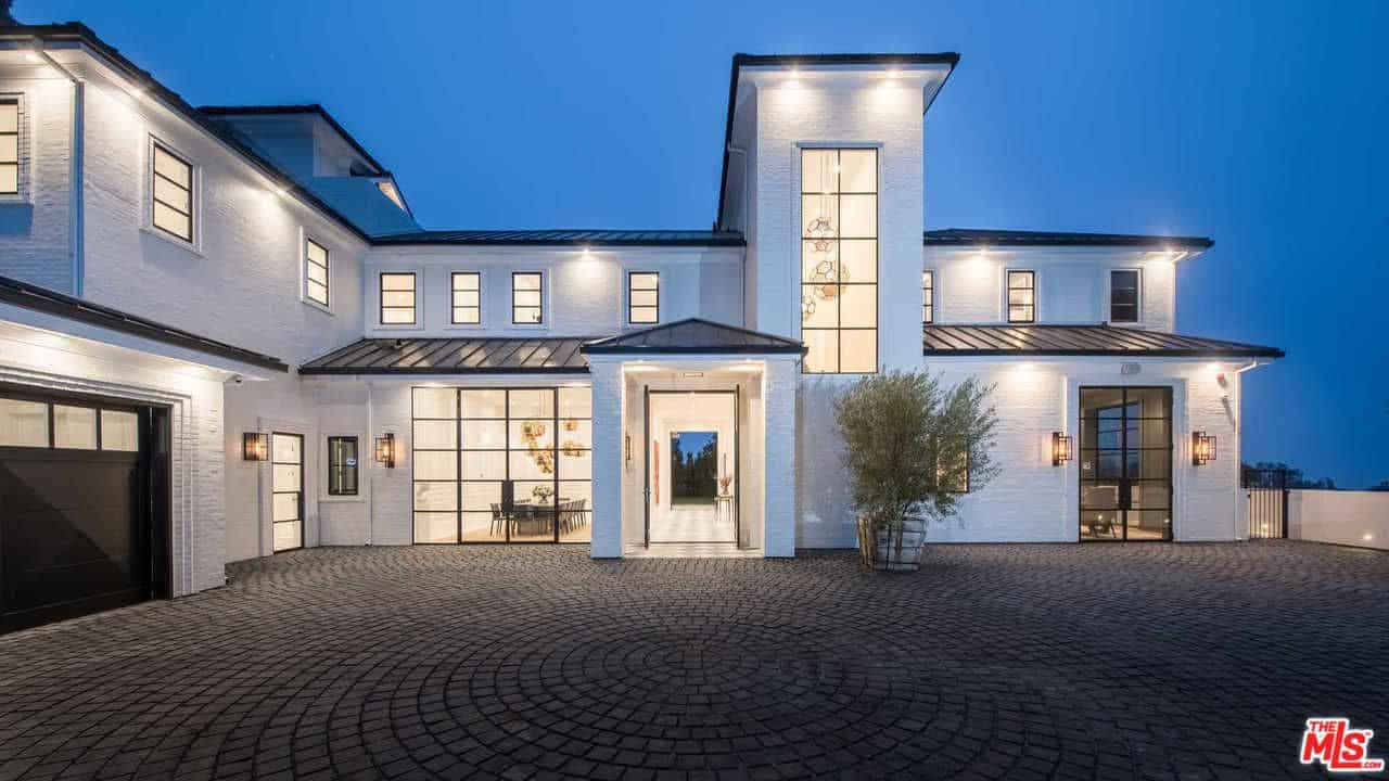 Lebron james just dropped 23 million on this l a mansion for La mansion casa hotel telefono