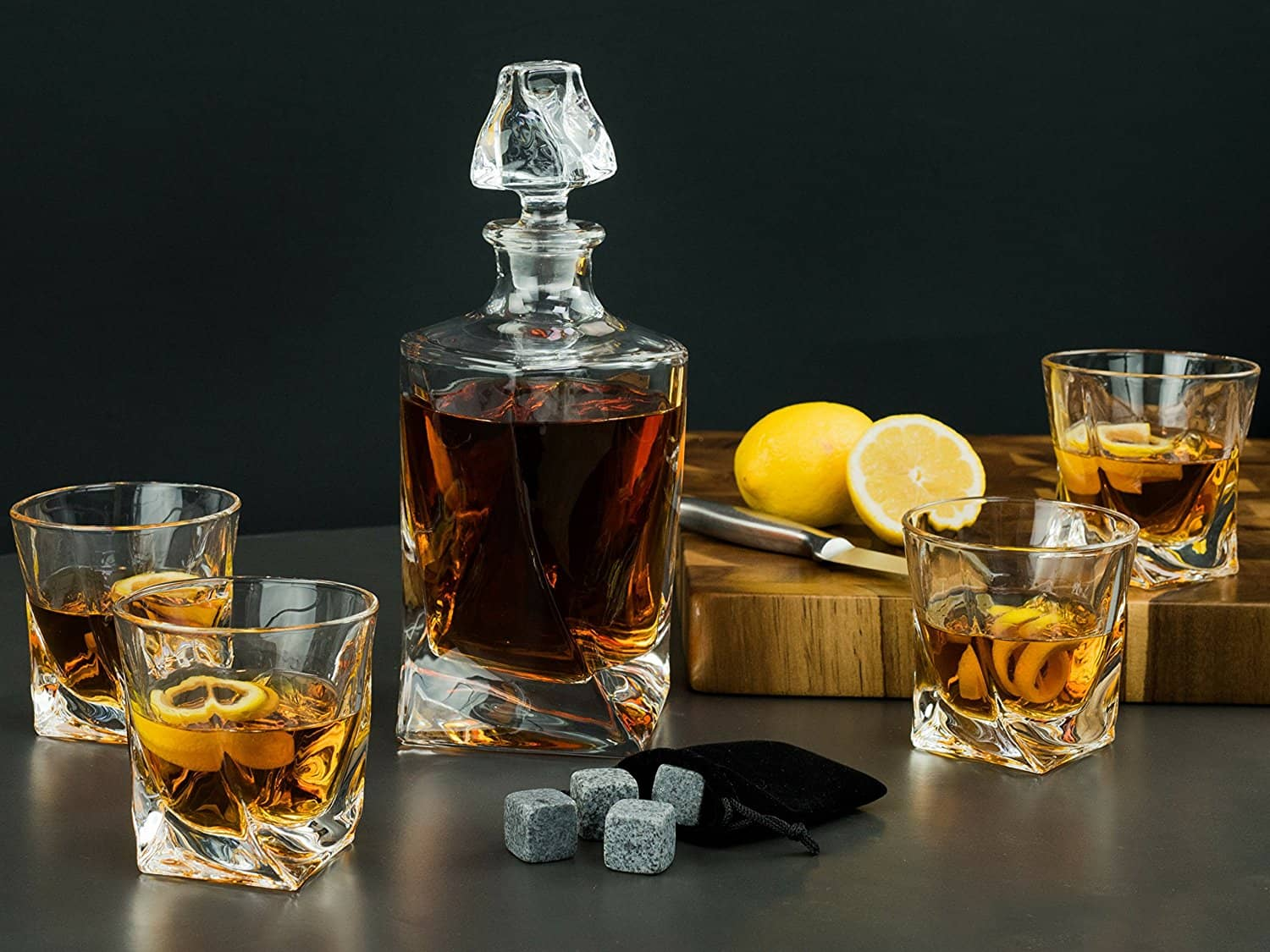 15 best whiskey glasses and decanter sets the daily want. Black Bedroom Furniture Sets. Home Design Ideas